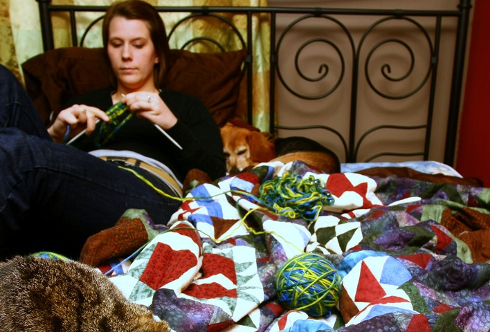 Knitting In Bed : Ways to cope with activity restrictions and bed rest