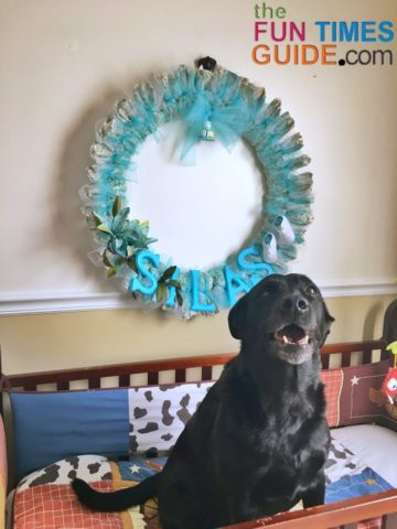 See how to make this baby shower diaper wreath yourself.