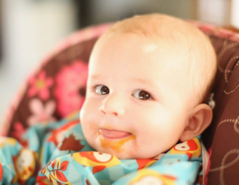 Healthy baby food ideas for new moms interested in how to make homemade baby food.