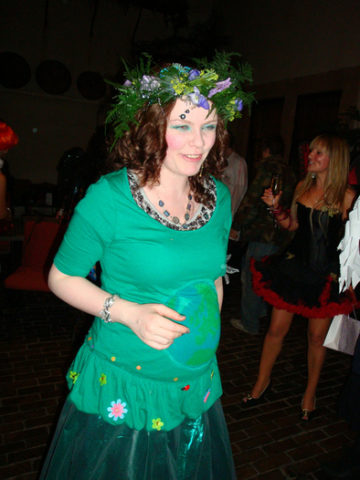 mother-nature-pregnant-halloween-costume-by-meemal.jpg