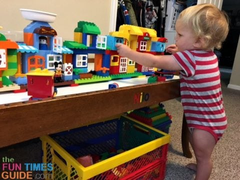 The Nilo activity table is perfect for building large items from blocks.