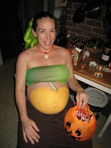 pregnant-halloween-costume-by-SharonaGott.jpg