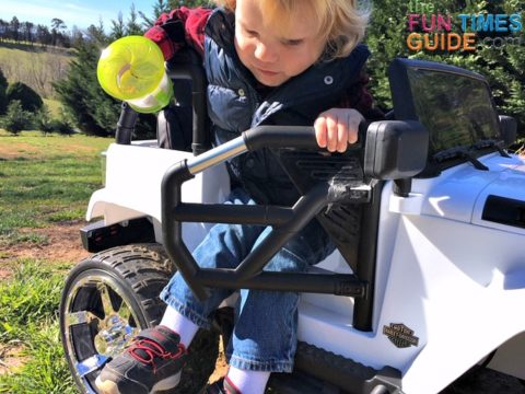 This ride-on Jeep is easy for kids to get in and out of - it's got tube style doors that open and close with magnetic latches.